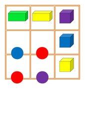 Würfelspiel für geometrische Körper (Würfel, Kugel, Quader)