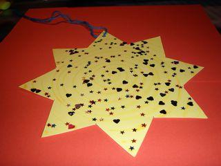 Stern für einen Adventskalender#2 - schräge Ansicht - Advent, Adventskalender, Stern, glitzern, Tasche, basteln, Tonpapier, kleben, Weihnachten