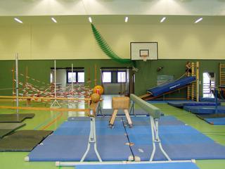 Kletterlandschaft#2 - Kletterlandschaft, Bewegungslandschaft, bewegen, klettern, Sport, Geräteaufbau, überwinden, Turnhalle, Balken, Labyrinth
