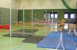 Kletterlandschaft#3 - Kletterlandschaft, Bewegungslandschaft, bewegen, klettern, Sport, Geräteaufbau, überwinden, Turnhalle, Reck, Bank, Balken