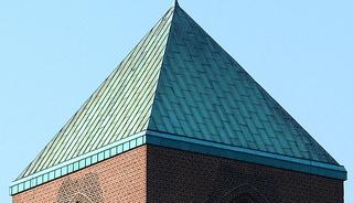Kirchturmdach #2 - Kirchturmdach, Dach, Turmdach, Pyramide, Kupferdach, Kupfer, Grünspan, Oxidation