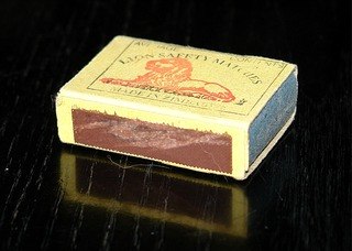 Streichholzschachtel - Streichholzschachtel, Zündhölzer, Zündholzschachtel, Quader, Streichholz, anzünden, brennen, Feuer