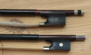 Geigenbogen: Frosch - Geigenbogen, Bratschenbogen, Frosch, Geige, Bratsche, Bogenhaare, Rosshaare, Violine, Viola, Streicher, Streichinstrument, Streichinstrumente, anspannen, locker, gespannt, drehen