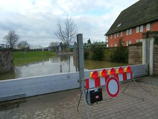 Hochwasser2 - Hochwasser, Weser, Überschwemmung, Spundwand