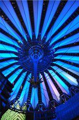 Lichtspiele # 2 - Licht, Nacht, leuchten, hell, dunkel, Kontrast, Berlin, Sony, Potsdamer Platz