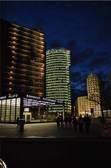Lichtspiele Sony Center - Licht, Nacht, leuchten, hell, dunkel, Kontrast, Berlin, Sony, Potsdamer Platz