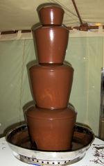 Schokoladenbrunnen #1 - Schokoladenbrunnen, Schokolade, schmelzen, überziehen, eintauchen, dekorativ, Dessert, Nachtisch, Süßspeise