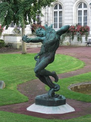 Statue in Montargis - Montargis, Frankreich, Statue, Legende, Hund