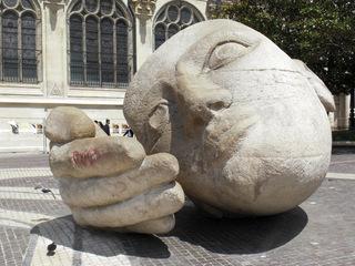 Ecoute (Hör mal) von Henri de Miller - Paris, Henri de Miller, Ecoute, Hör mal, Saint Eustache, Skulptur