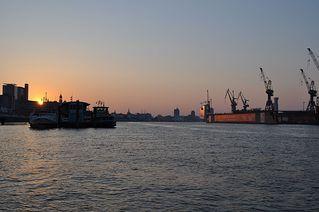 Sonnenaufgang - Sonne, Sonnenaufgang, Morgen, Hafen, Hamburg, Fischmarkt, Wasser, Kran, Werft