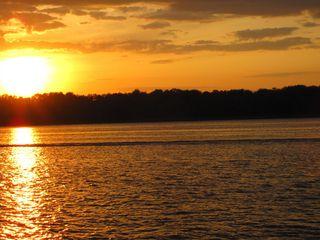 Sonnenuntergang an der Wolga#2 - Sonne, Sonnenuntergang, Russland, Wolga, Fluss, Abendstimmung, Himmel, Wasser, Landeskunde, Stimmung