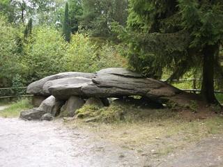 Großsteingrab aus der Jungsteinzeit - Jungsteinzeit, Sieben Steinhäuser, Steingrab, Begräbnisstätte