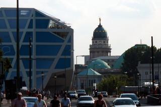 Berlin - Karl-Liebknecht-Straße - Berlin, Unter den Linden, Hauptstadt, Bewegung, Straße, Zentrum, Mitte, Tourismus, Verkehr, Metropole