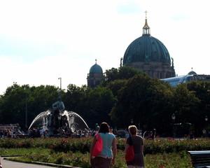 Berlin - Blick zum Neptunbrunnen und Berliner Dom - Berlin, Hauptstadt, Neptunbrunnen, Berliner Dom, Hauptstadt