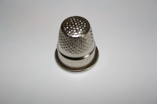 Fingerhut#1 - Fingerhut, nähen, Schutz, Unfallverhütung, Arbeitsmittel