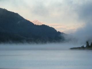 Nebel  - See, Wasser, Wald, Spiegelung, spiegeln, Physik, Nebel, nebelig, Wetter, Meteorologie, Wettererscheinung, Wassertröpfchen, Kondensation, Taupunkt, Wasserdampf