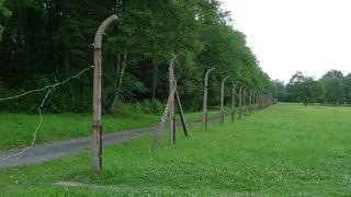 Zaunanlage des KZ Buchenwald - Buchenwald, Drittes, Reich, SS, Konzentrationslager, Verfolgung, Weimar, Geschichte, Nationalsozialismus, Vernichtung