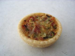 Miniquiche #1 - Miniquiche, Quiche, Tarte, Kuchen, flach, rund, Quiche lorraine, Mürbteig, Fingerfood