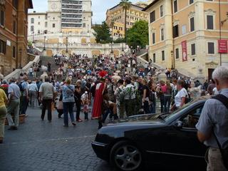 Spanische Treppe in Rom - Touristenattraktion, Treppe, Stufen, Rom, Menschenmassen, Touristen, Italien, Kirchentreppe, viele