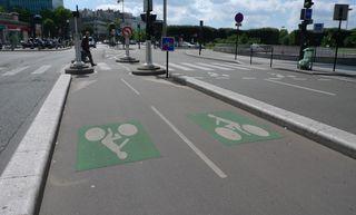 Fahrspuren für Fahrräder in Paris - Fahrrad, Radweg, Paris, Fortbewegungsmittel