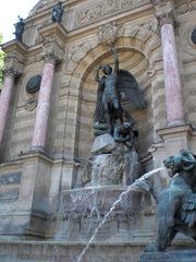 La Fontaine Saint-Michel - Frankreich, Paris, Brunnen, fontaine, archange, Erzengel, diable, Teufel, chimère, quartier Latin
