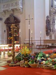 Erntedank #2 - Herbst, Erntedank, Erntedankfest, Altar, Altarraum, Kircheninnenraum, Passau, Dom, Bischofskirche, Kürbis, Gemüse, Früchte