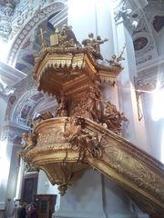 Stephansdom zu Passau #3 - Dom, Bischofskirche, Stephansdom, Sankt Stephan, Passau, Kircheninnenraum, Innenraum, Kanzel, vergoldet, Barock