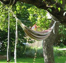Hängematte #1 - Hängematte, entspannen, Schlafen, schaukeln, Seele baumeln lassen, Garten, hängen, ausruhen, faulenzen, Freizeit, Urlaub