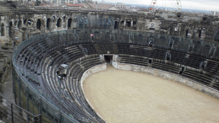 Amphitheater von Nîmes - Frankreich, Südfrankreich, Architektur, Nîmes, Arènes, Amphitheater, Theater, Arena, Stierkampf, Corrida, Courses Camarguaises, Römer, Sitzreihen, Innenraum, oval