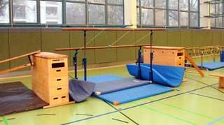 Gerätelandschaft#2 - Gerät, Sport, turnen, Turnhalle, Kasten, Barren Seil