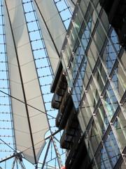 Berliner Architektur - Sony Center #2 - Ansicht, Aussicht, Konstruktion, Dach, Perspektive, Kunst, Glas, Stahl, Stoff, Fassadenausschnitt