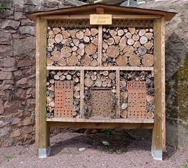 Wildbienenhaus - Wildbiene, Insekten, Bienen, Biene, Hautflügler, Wildbienenhaus, Wildbienenhotel, Insektenhotel, Bienenhaus