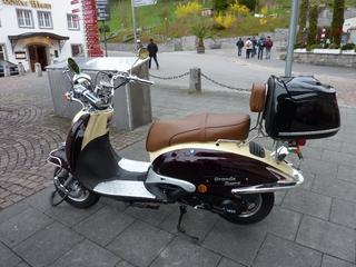 Motorroller Fosti #1 - Motorroller, Roller, Fosti, Zweirad, motorisiert, Fortbewegung, Oldtimer, Retro