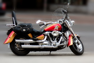 Motorrad - Motorrad, stehend, Hubraum, PS, fahren, Verkehr, Verkehrsmittel, Fortbewegung, Rad, Räder, Zweirad, Kraftrad, Krad, bewegen, motorisiert, Schaltgetriebe, rollen
