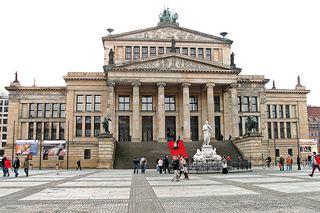 Konzerthaus Berlin - Berlin, Konzerthaus, Schauspielhaus, Gendarmenmarkt, Schauspiel, Haus, Bauwerk, Gebäude, Klassizismus, Schinkel