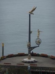 Säule auf der Hafenmole - Bodensee, Hafen, Meersburg, See, Hafenmole, Plastik, Denkmal, Kunstwerk, Möwe, Pfahl, Schiffsanlegestelle, Silhouette, Lenk