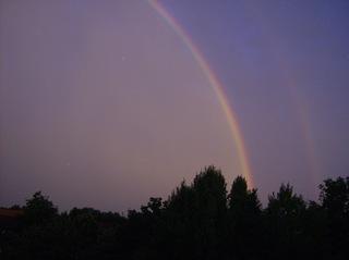 Regenbogen - Regenbogen, Regen, Wolken, Spektralfarben, kreisbogenförmig, Farben, atmosphärische Optik, Optik, Brechung, Lichtbrechung, Spektralfarben, Reflexion, Farbzerlegung, Wetter