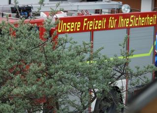 Feuerwehr Slogan - Feuerwehr, Hilfsorganisation, Spruch, Slogan, Freizeit, Ehrenamt, Sicherheit, Feuerwehrauto, Sprechanlass