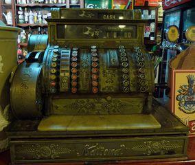 Kasse - Kasse, Supermarkt, Registrierkasse, Geld, Geldscheine, Münzen, Einzelhandel, kassieren, bezahlen, Anlaut K