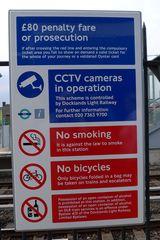 Hinweissschild U-Bahn - U-Bahn, Hinweisschild, Hinweis, Hinweise, sign, advice, hint, prohibition, underground, subway, tube, Rauchverbot, Alkoholverbot