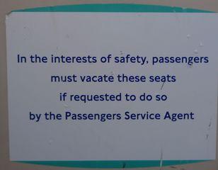 Hinweisschild in der  U-Bahn 01 - sign, English, tube, underground