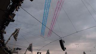 Olympische Spiele London 2012 #7 - Olympia, Olympische Spiele, London, Flugschau, Flugkunst, Kunstflug, Luftfahrt, Militärfliegerei, Flugzeugstaffel, Air Show, Attraktion, Flugzeuge, Kondensstreifen