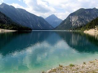 Plansee (Tirol) - Plansee, Tirol, Ammergau, blau, türkis, Reflexion, Berge, Alpen, See, Wasser, klar, Spiegelung, Perspektive