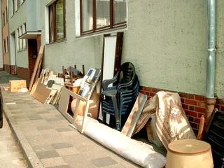 Sperrmüll - Sperrmüll, Haushaltsauflösung, Haushalt, Möbel, Müll, Überfluss, alt, Lampe, Teppich, Stühle, Unrat, Umzug