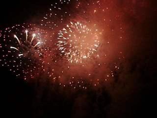Feuerwerk#1 - Feuer, Feuerwerk, Licht, Lichteffekte, Feuerwerkskörper, Pyrotechnik, Rakete, Antrieb, Rückstoß, Silvester