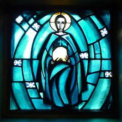 Taizé 12 - Glasfenster Himmelfahrt - Taizé, Altarraum, Ökumene, Konfession, Glaskunst, Fenster, Jesus, Licht, Himmelfahrt, Farbe Blau, Kirchenjahr
