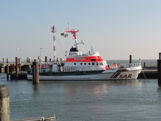 Seenotrettungskreuzer - SAR, search and rescue Schiff, Seenot, Rettung, Seenotrettungskreuzer, Hafen, Hafenbecken, Kai