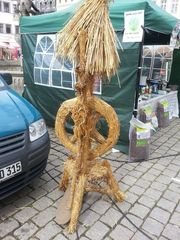 Strohfigur_Spinnrad - Strohfigur, Markt, Handel, Stroh, Getreide, Spinnrad, Herbst