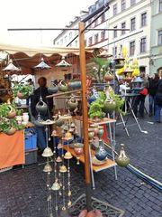 Marktstand#1 - Markt, Stand, Marktstand, Verkaufsstand, Verkauf, verkaufen, einkaufen, Handel, handeln, Händler, Keramik