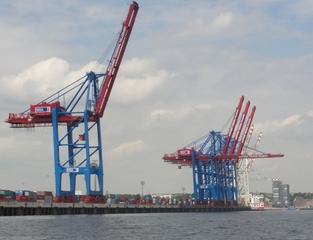 Containerbrücken - Container, Containerbrücken, Welthandel, Import, Export, Hamburg, Hamburger Hafen, Hafenbecken, Kai, Kaimauer